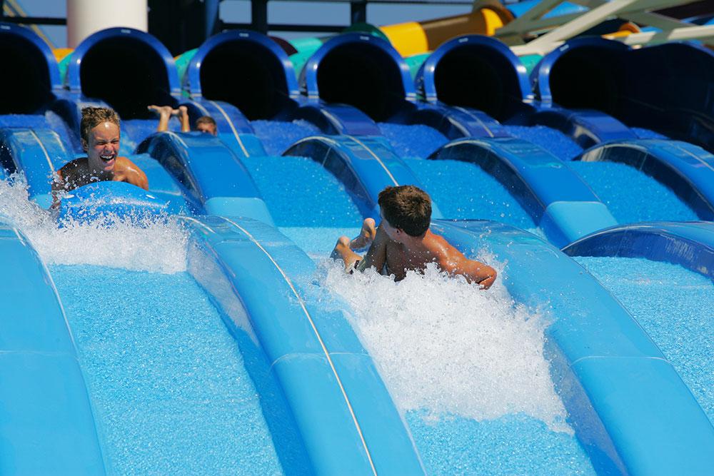 Turbo Racer, Water Sliders, Water World